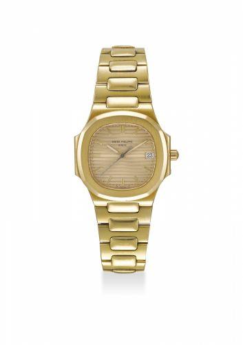 e7640ede601 PATEK PHILIPPE. A FINE 18K YELLOW GOLD QUARTZ WRISTWATCH WITH DATE