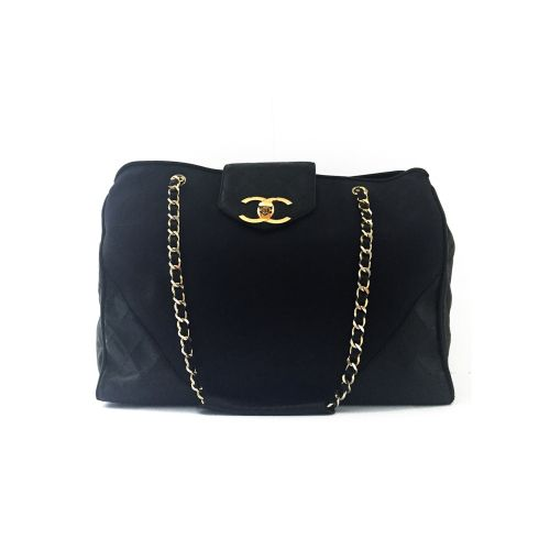 A VINTAGE GOLD BROCADE FABRIC SHOULDER BAG WITH GOLD HARDWARE CHANEL,  1991-1994 81e348c2651